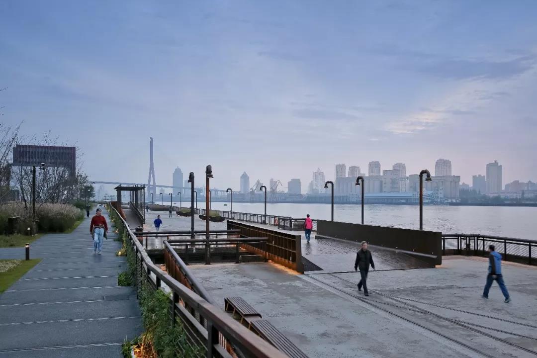富于工业特征的杨浦滨江公共空间