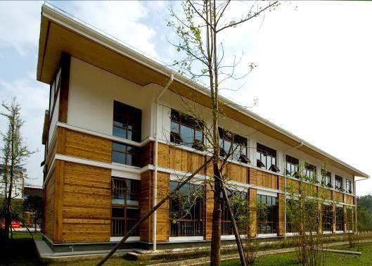 上海援建都江堰背峨小学     装配式木结构